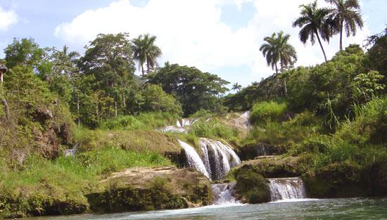 Cuba El Nicho falls